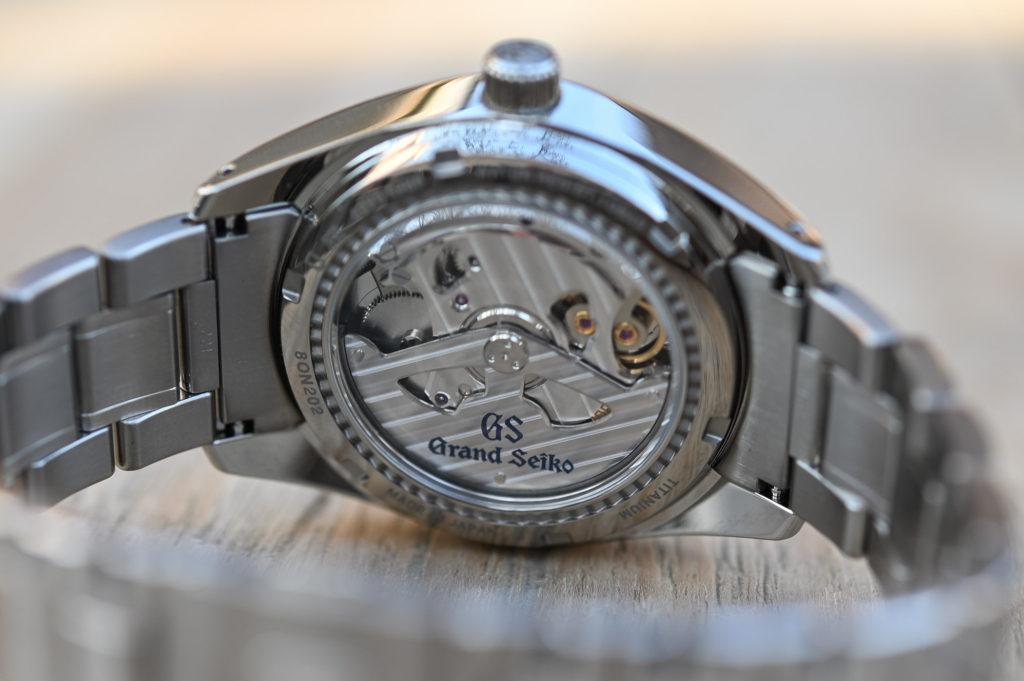 นาฬิกาสปริงไดรฟ์