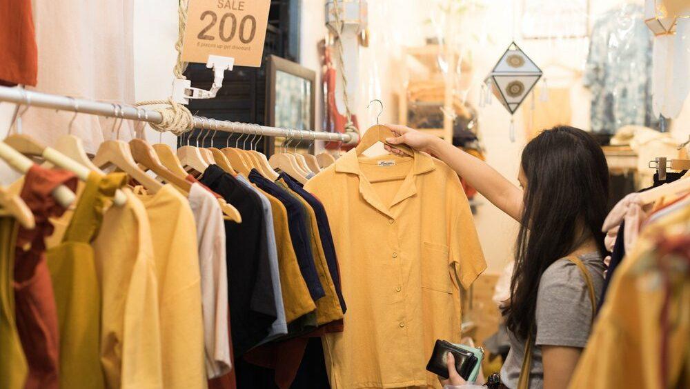 เสื้อผ้าแฟชั่นผู้หญิงใหม่ ๆ