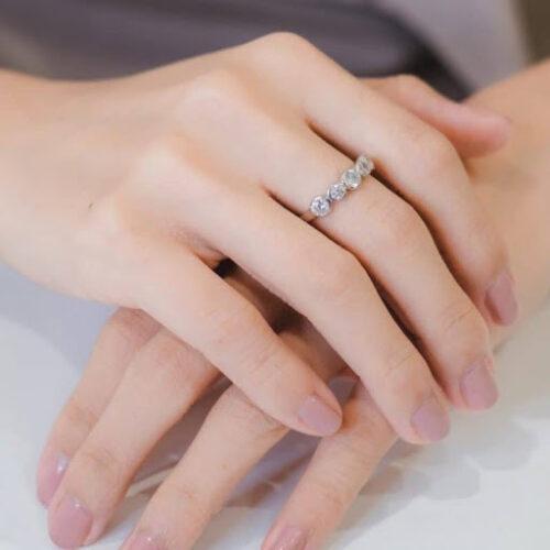 แหวนข้อนิ้วใหญ่ข้อแตก